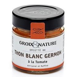 Flaked tuna marinated in tomato sauce